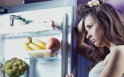 ¿Qué debes y no debes comer antes de dormir?