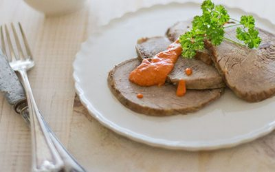 Carne con salsa de pimientos morrones